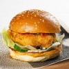Фишбургер с филе трески и соусом беарнез