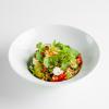 Салат с киноа и копченой брынзой