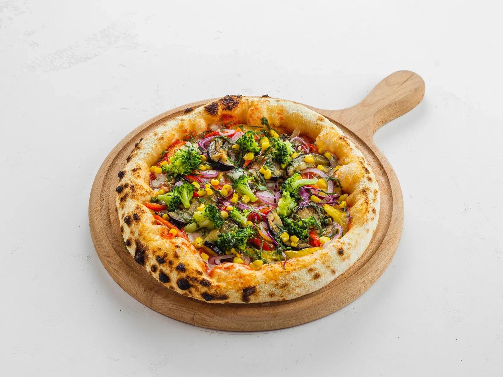 Итальянская пицца с овощами