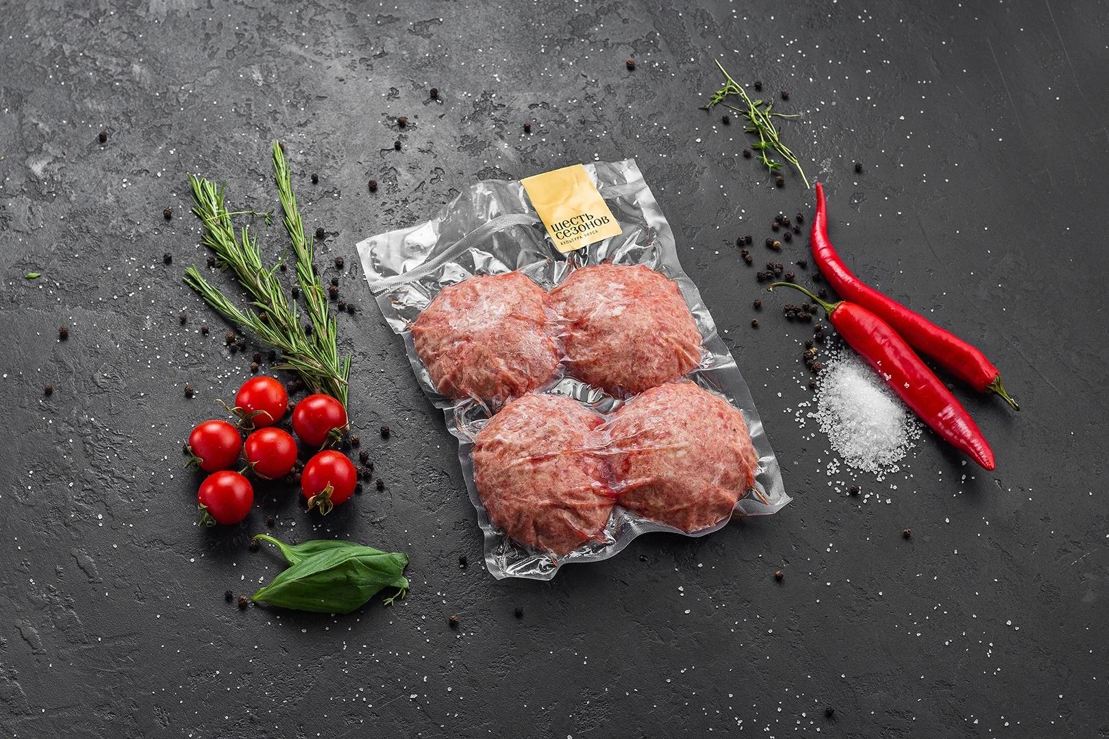 Мясные котлеты из мраморной говядины и свинины