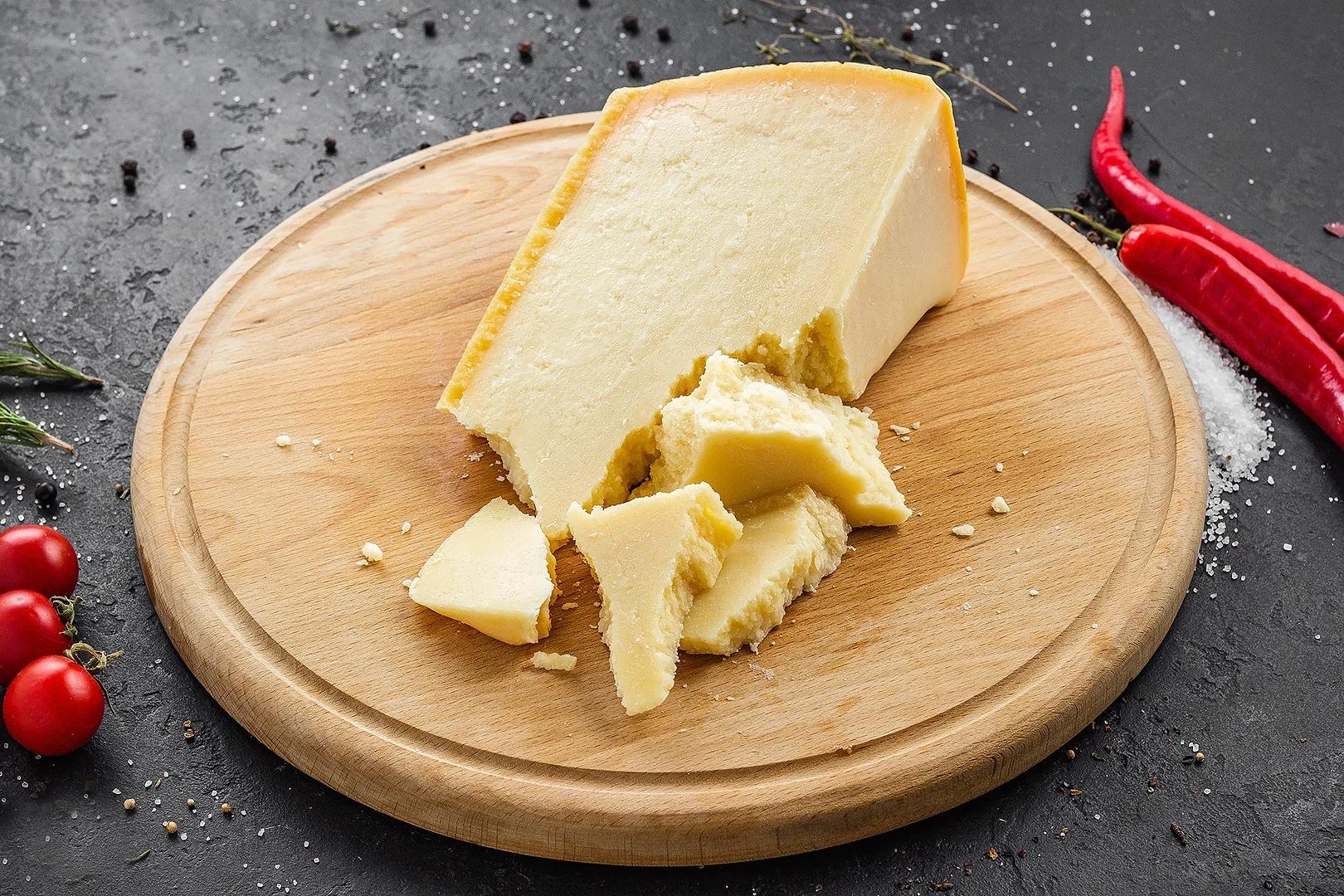 Сыр пармезан Грано Падано